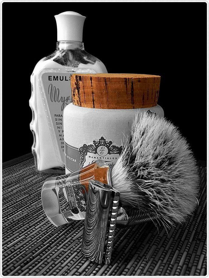 SPAIN, Manatialies La Toja Shaving Set with Emulsion