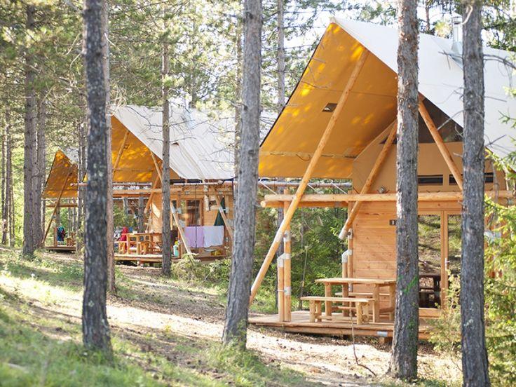 Camping Huttopia lanmary à Antonne et trigonant