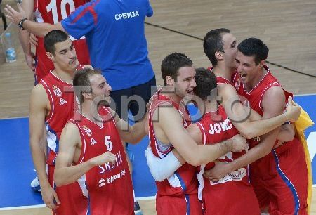 2247114 Russia, Kazan. 07/16/2013 Serbian players celebrate the victory in the third place match in men's basketball between the national teams of Serbia and Canada at the 27th World University Summer Games in Kazan. Grigoriy Sokolov/RIA Novosti