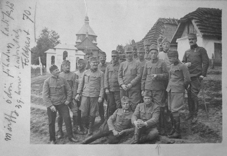 Ödön MÁRFFY (with cigar in hand), in Eastern-Galicia, 1916