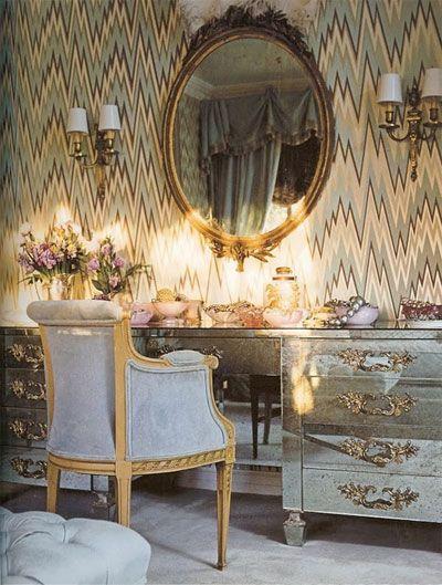 17 best ideas about mirrored vanity on pinterest - Bedroom furniture little rock ar ...