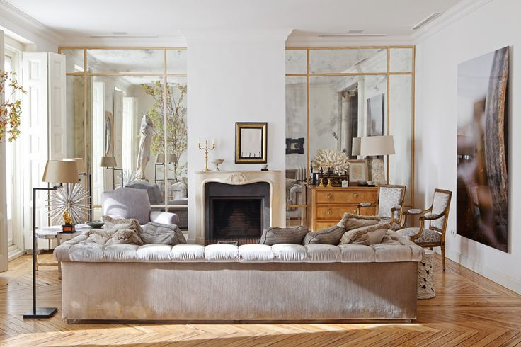 Luis Puerta - Decorador - Mirrors, love the framing!