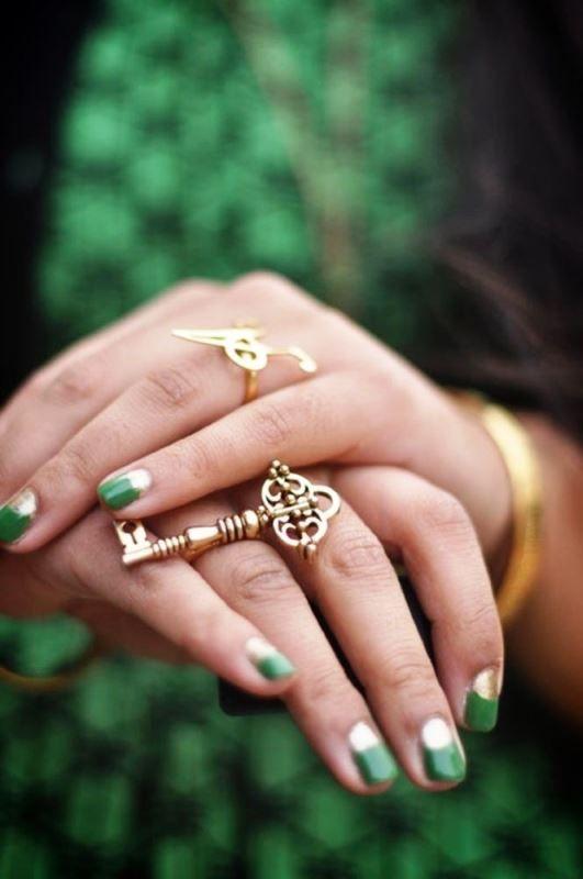 Μανικιούρ σε πράσινες αποχρώσεις   Jenny.gr green manicure