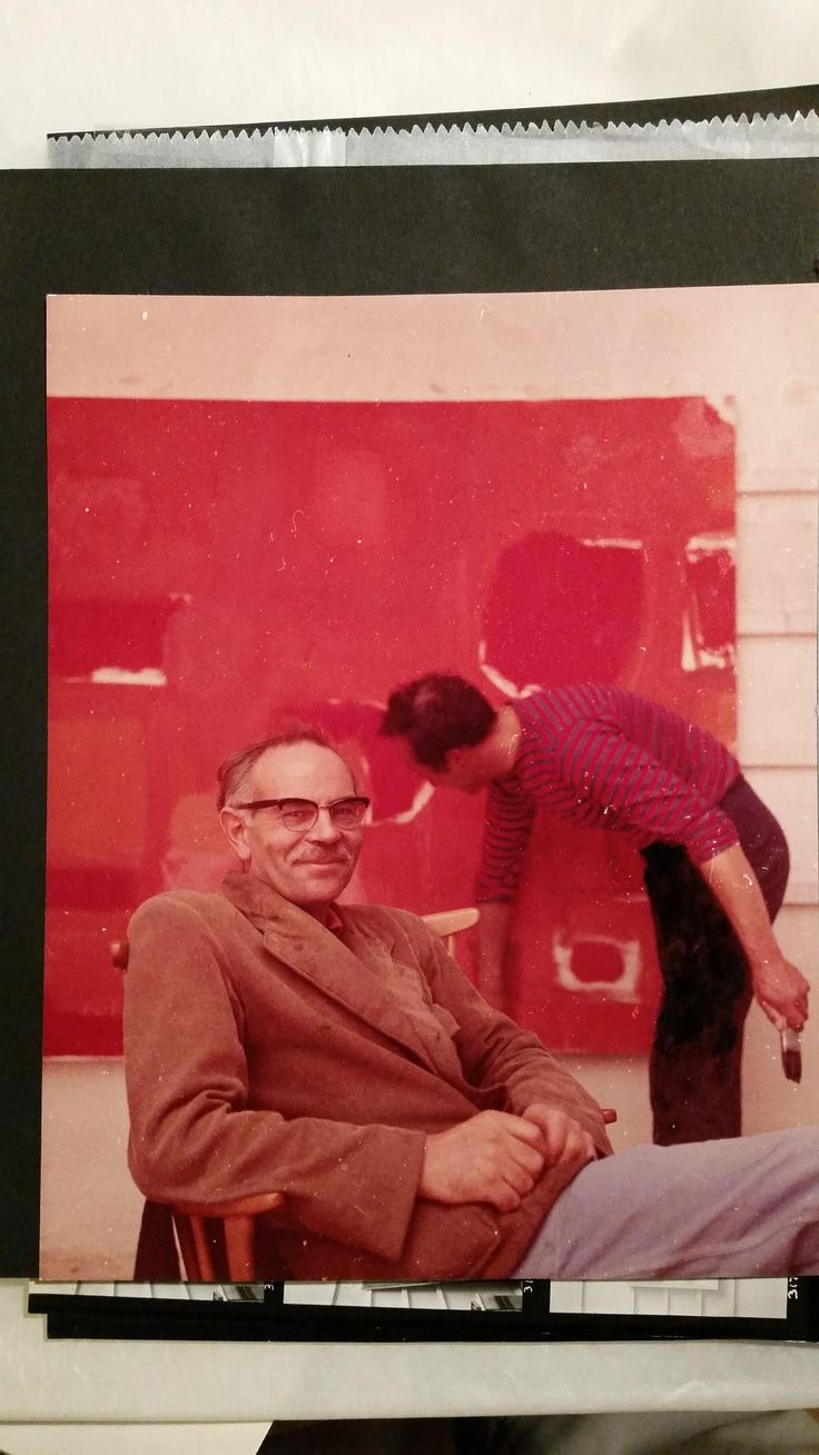 Terry Frost relaxing while Patrick Heron finishes his painting St Ives mid 50s Photo: Adrian Flowers
