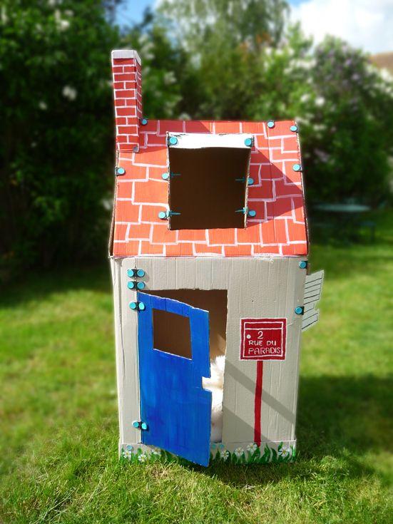 Cabane pour enfant en carton avec Makedo