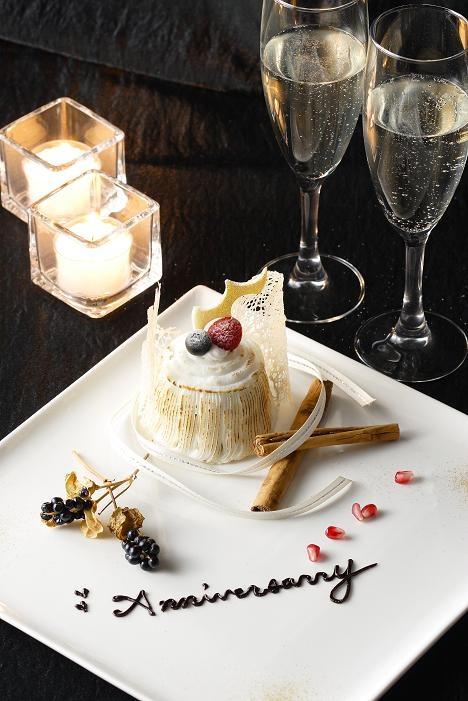 福岡 博多エクセルホテル東急2階 チャコールグリルケヤキ  記念日のお客様向けにプレートへのメッセージサービスも承っております!!  We would arrange a plate message for Anniversary.