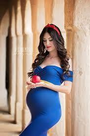 Resultado de imagem para ensaio fotografico de gravida com tema chapeuzinho vermelho