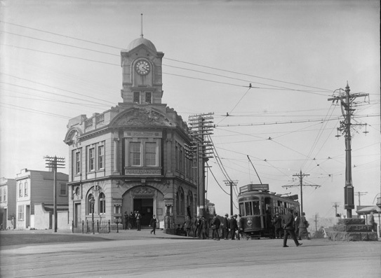 Looking north west from the vicinity of Jervois Road, showing the Ponsonby Post Office on corner of Saint Mary's Bay Road and College Hill (Sir George Grey Special Collections, Auckland Libraries, 1-W392)