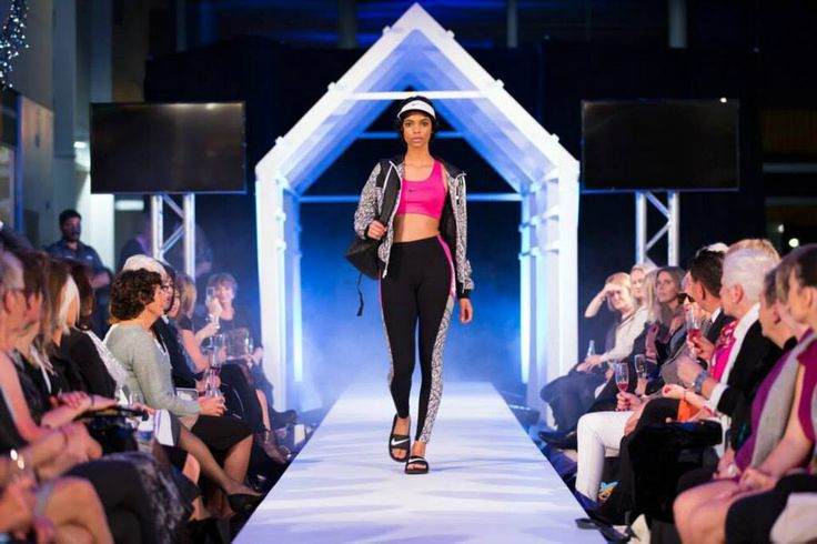 The first outfit to hit the runway .. Frontrunner's Nike collection #nike #thecolombo