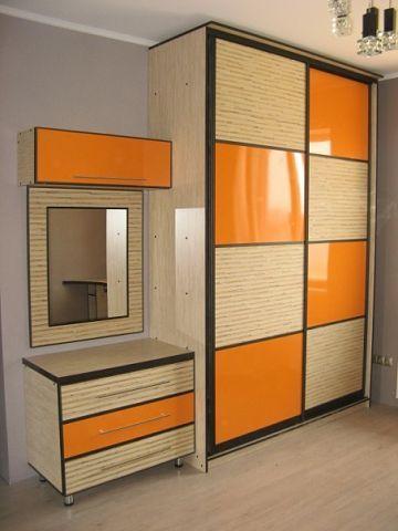 Шкаф купе с крашеным стеклом