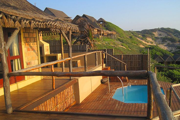 Casa 32 Lighthouse Reef Resort  Click on Where To Stay link for more info on Casa 32 Lighthouse Reef Resort http://www.wheretostay.co.za/casa32/ Self Catering Cottage/ House/ Bungalow In Paindane Bay, Inhambane, Inhambane  In the heart of Paindane, Inhambane, Mozambique, Casa 32 Lighthouse Reef welcomes guests to a luxury tropical sanctuary, where greetings of warm smiles and gentle breezes fill each day.