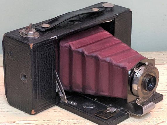 Rare 1908 Eastman Kodak No 2 Model B Folding Pocket Brownie Etsy Brownie Camera Kodak Antique Cameras