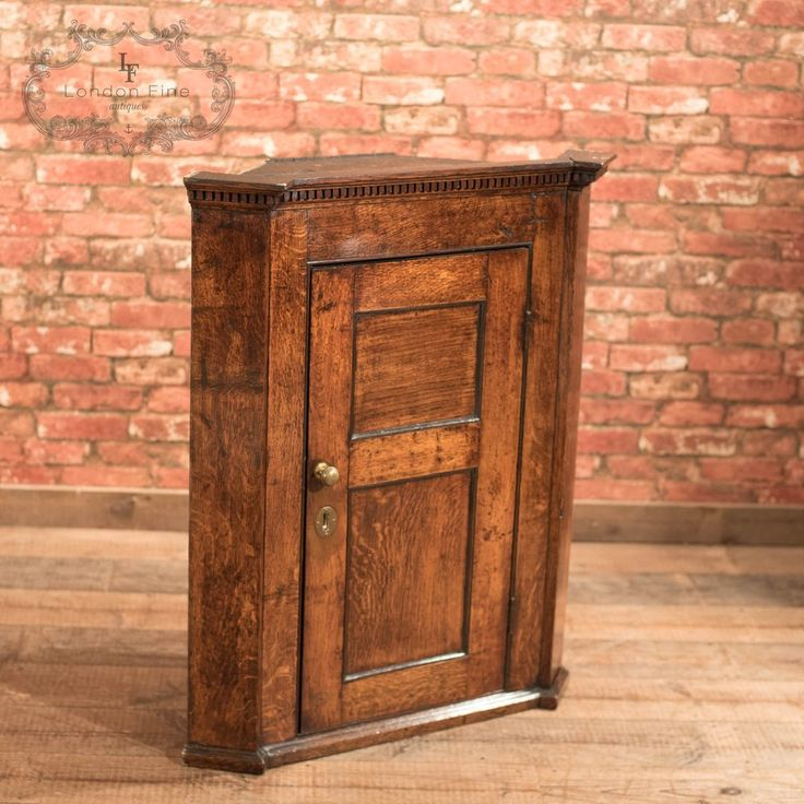 Georgian Oak Corner Cabinet, c.1750