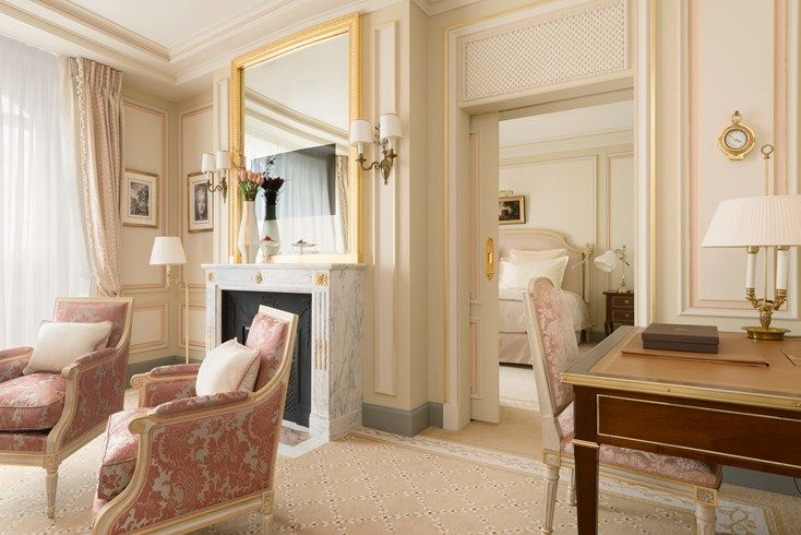 Ritz Hotel in Paris : new interior decoration #louis16 #style #marble #fireplace #antique #19thcentury
