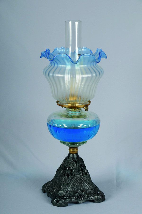 Victorian oil lamp with a Vaseline glass shade and font, in a lovely shade of blue