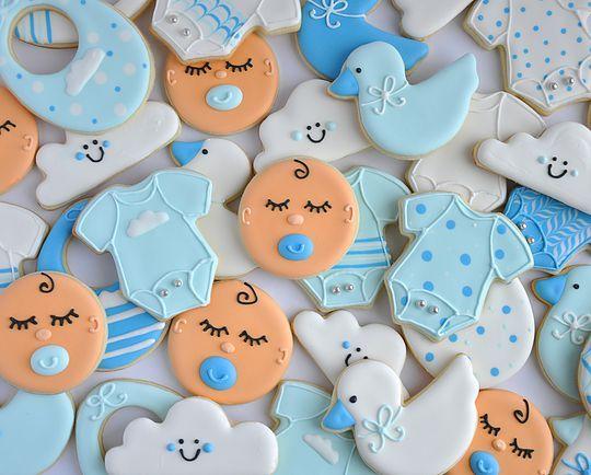 Baby boy sugar cookies. Clouds, ducks, onesies and baby faces cookies. Johanie les biscuits | Biscuits