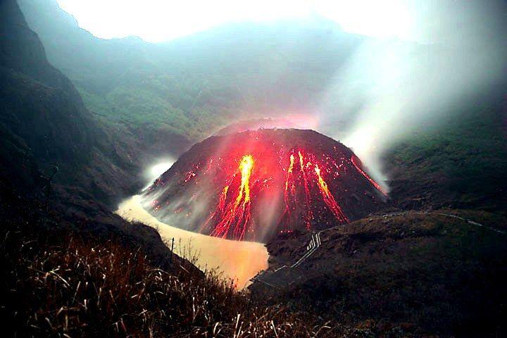 Nivel de alerta elevada en el volcán Kelut de Indonesia en Java Oriental, tras enjambre sísmico - noticiasdehoy.co