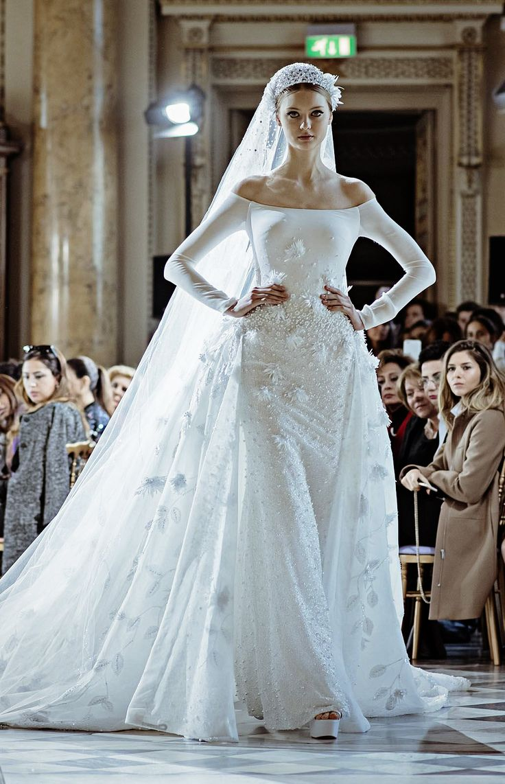 352 Best Images About Extraordinary Wedding Gowns On Pinterest