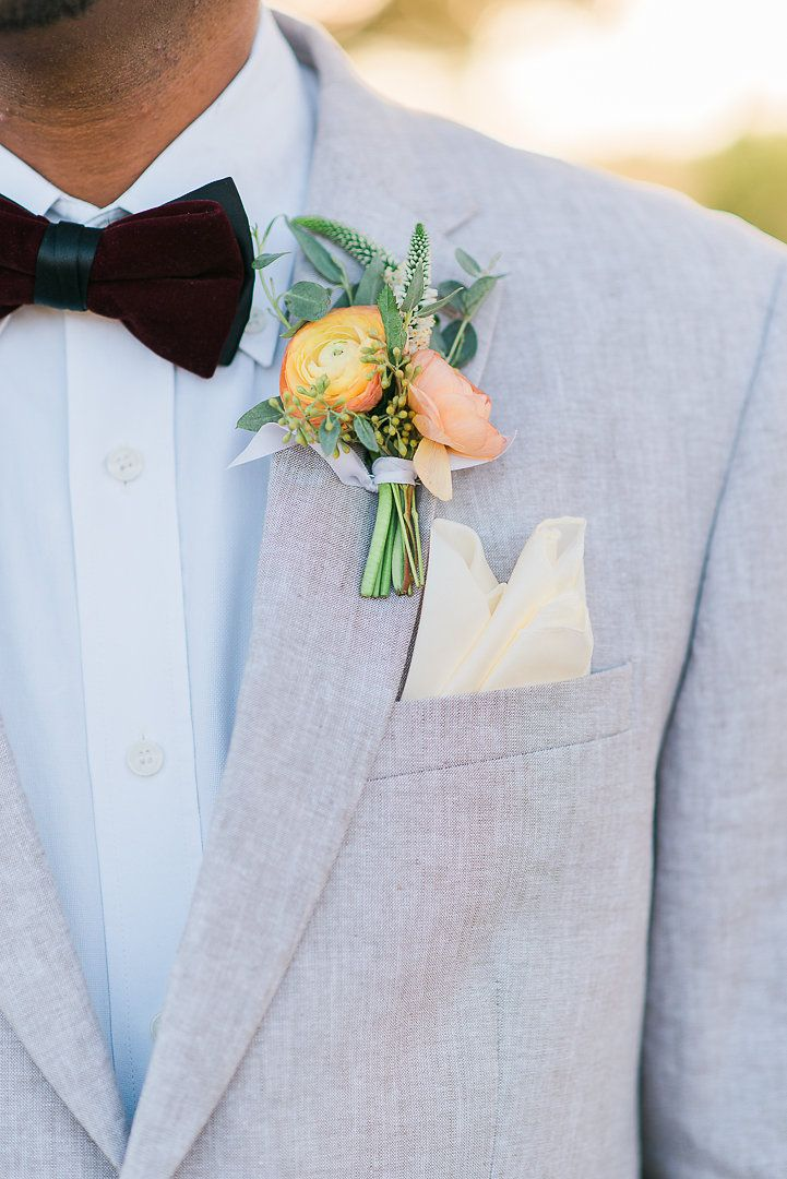 Grooms #boutonniere and grey suit @weddingchicks