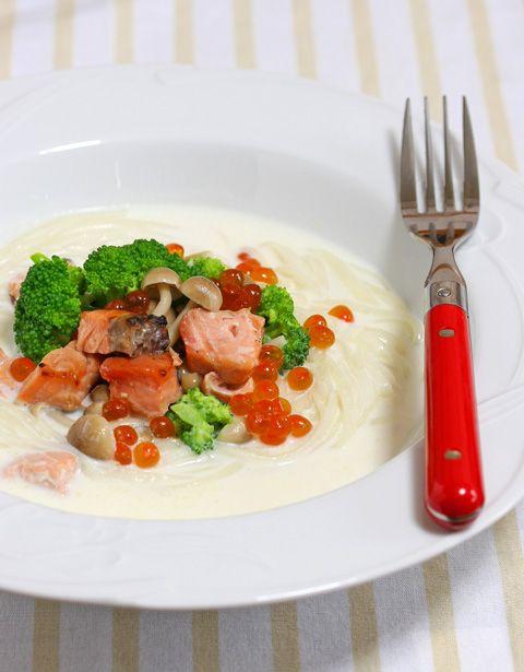 稲庭うどん 鮭とイクラのクリームスープ