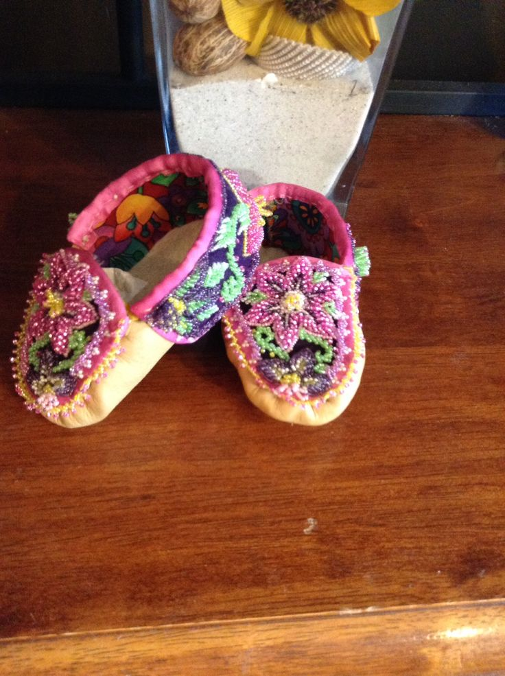 Traditional baby moccasins ( mohawk style) | beadwork ...
