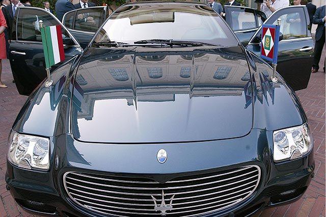 Auto Blu, Renzi mette su Ebay 170 auto di Palazzo Chigi, l'elenco dei modelli - Ma le Regioni ne gestiscono 51.000 su 58.000, spendendo 900 milioni l'anno http://www.auto.it/2014/03/27/auto-blu-renzi-mette-su-ebay-170-auto-di-palazzo-chigi-lelenco-dei-modelli/20182/
