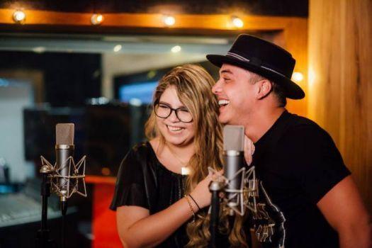 """Wesley Safadão e Marília Mendonça lançam novo clipe, """"Ninguém É De Ferro"""" #Clipe, #Fotos, #M, #Música, #Nacional, #Noticias, #Nova, #NovaMúsica, #Novo, #Sucesso, #Youtube http://popzone.tv/2017/02/wesley-safadao-e-marilia-mendonca-lancam-novo-clipe-ninguem-e-de-ferro.html"""