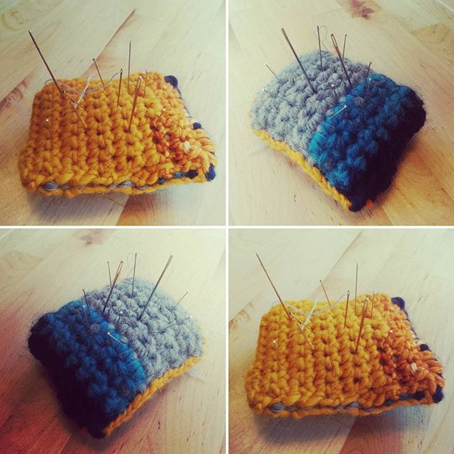 I made a #fugly #crochet #pincushion with different scraps to smoothly start the weekend... I really did not want to throw away the scraps from #dropseskimo and #malabrigotwist <3 #ridiculousness