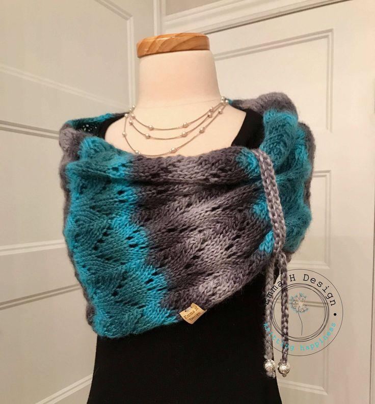 """Col/Snood """"Sutton"""" tricoté à la main dans un mélange laine & soie de grande qualité, dans des tons dégradés gris/turquoise, pour femme de la boutique EmmaHDesign sur Etsy"""