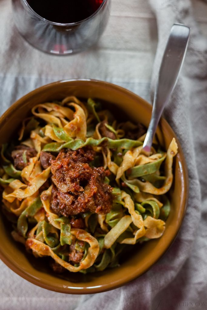FROM THE MEDIEVAL FRESCOS TO OUR TABLE: TAGLIATELLE PAGLIA E FIENO WITH CINTA SENESE MEAT SAUCE