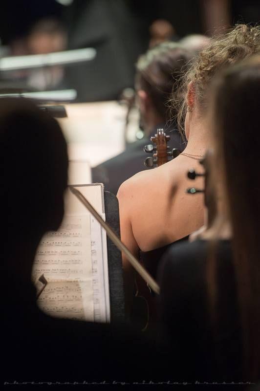 Violinists of the Mikhailovsky Theatre Orchesta, Saint Petersburg, Russia - Photographer Nikolay Krusser