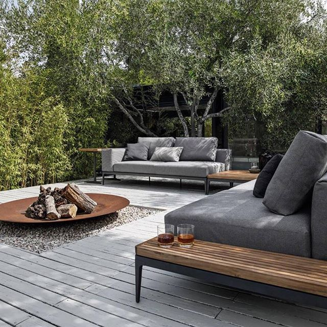 Loving Gloster furniture great photo and space #outdoorfurniture #gardenfurniture #outdoorliving #garden #gardendesign @glosterfurniture
