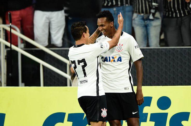 Sport Club Corinthians Paulista - Jô decide mais uma vez e Corinthians passa pelo Santos em Itaquera - Gazeta Esportiva