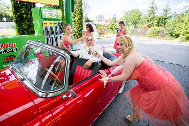 Piros piros piros Fényképezte: Sense Video Studio, az esküvői fotók specialistája.  Esküvői fotó | wedding photo
