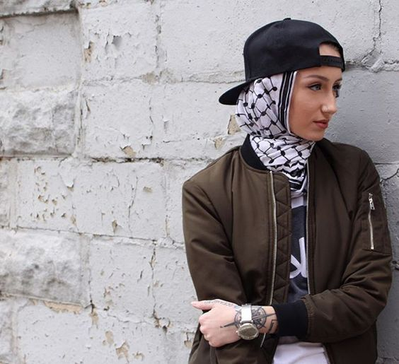 Funky Hijab Style.Looking for funky hjiab styles? How to get a funky look with Hijab? Funky hijab outfit ideas? Well, this post is for you. We know that Teenage girls are obsessed about getting a funky look. So in this post, we bring some amazing ideas for you.