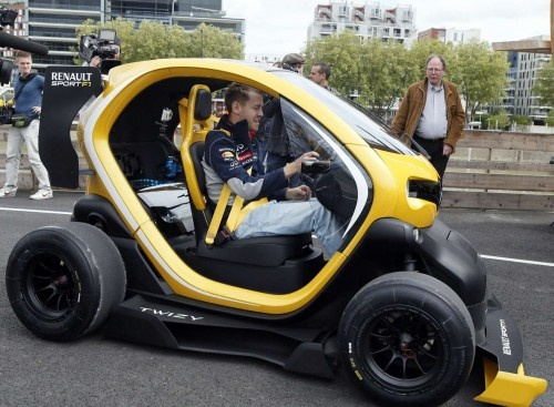 Sebastian Vettel with Twizy Renault Sport F1, Twizy Renault Sport F1 is the best of two worlds close to Renault's lozenge: Formula One and electric cars. Developed by Renault Sport and Renault Sport F1 teams, this spectacular prototype was unveiled on April 25, 2013 at the Renault Valladolid factory in Spain, where Twizy is manufactured.