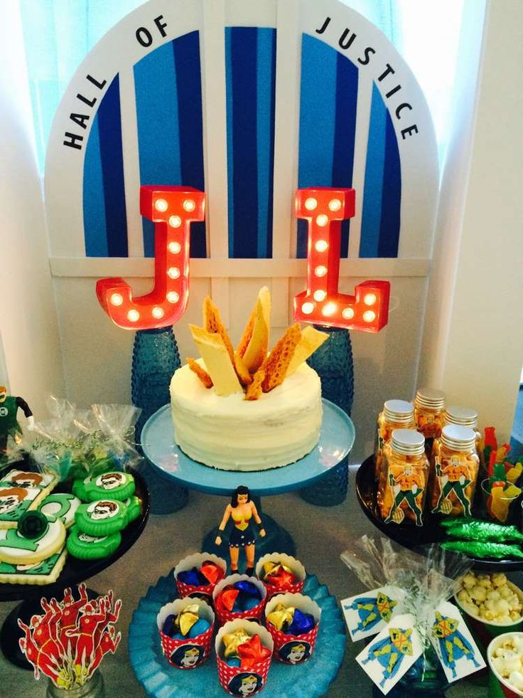 Top 25 Best Justice League Cake Ideas On Pinterest