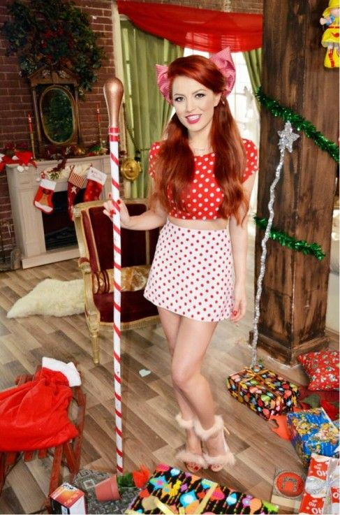 Elena Gheroghe, cea mai sexy crăciuniță de la Polul Nord