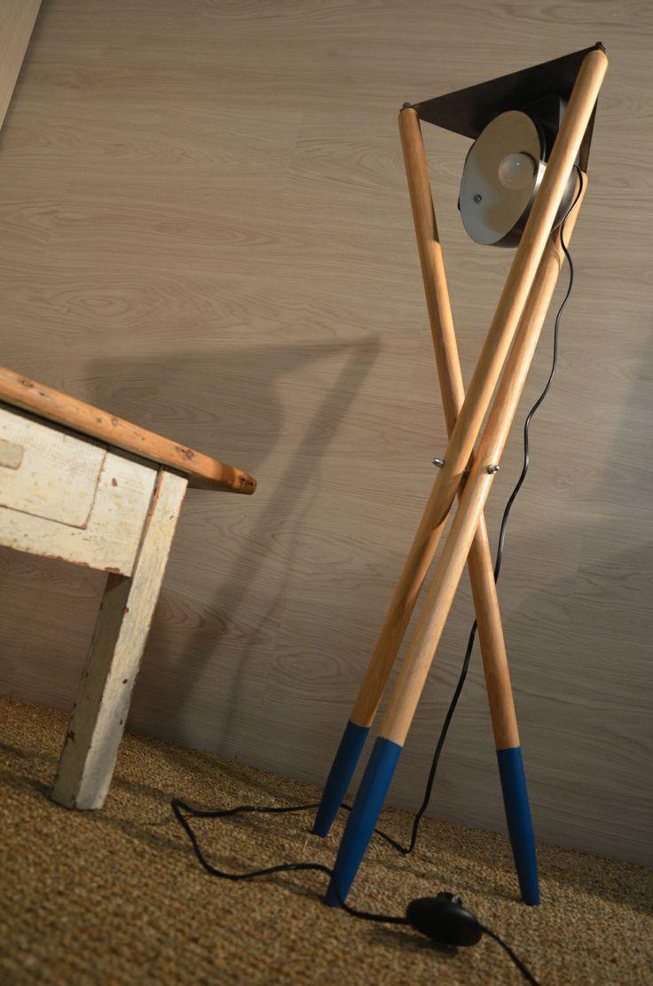 Scandinavian light, luminaire scandinave, mikado, lampe bois et métal, lampe design nordique. hewel-mobilier.com