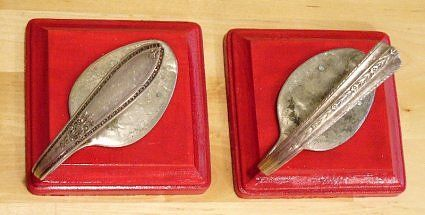 Neat hooks made with old spoons.  A great DIY with thrift store silverware.