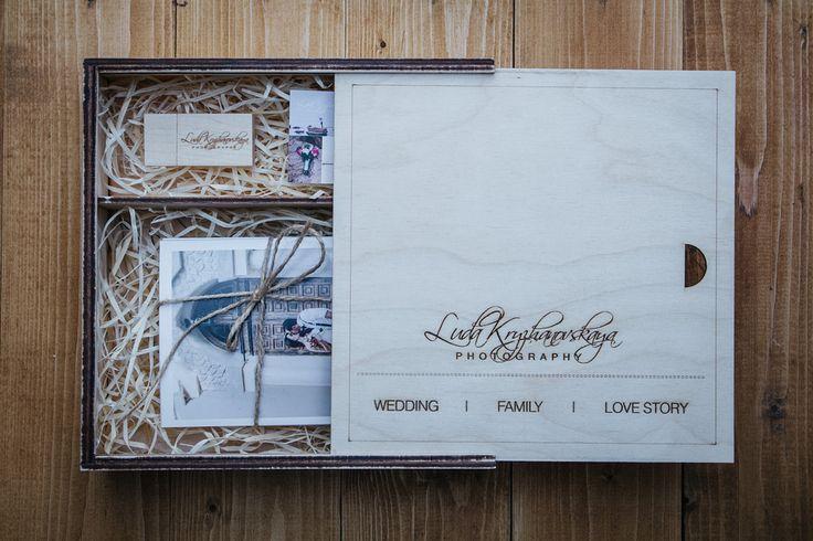 Вот в такой упаковке уехали фотографии для моих клиентов)) #упаковка #подарок #фото #фотограф #свадебныйфотографкиев #wedding  www.ludakryzhanovskaya.com tel.: +38066 260 4458