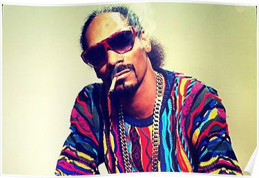 Snoop Dogg Smoking a Blunt Posters