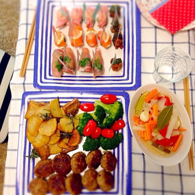 ピンチョス ミニハンバーグ 自家製ピクルス ローズマリーのフライドポテト - 8件のもぐもぐ - ホームパーティー by Tomoyo