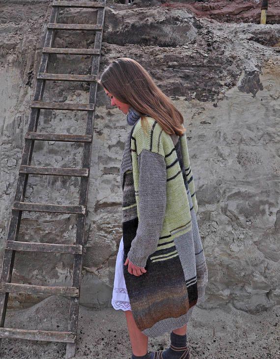 Hoi! Ik heb een geweldige listing op Etsy gevonden: https://www.etsy.com/nl/listing/525178115/chuncky-vest-hand-gebreid-vest-gratis