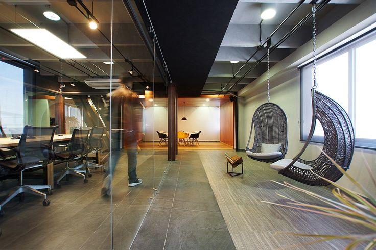 Oficinas ER | Dionne Arquitectos | #office #lighting #wood #furniture #design #interior #concrete