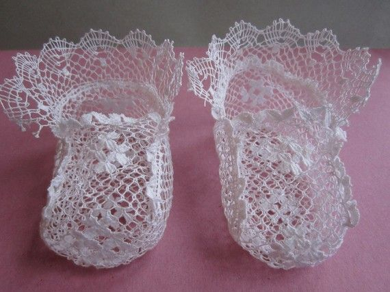 baby booties of bobbin lace