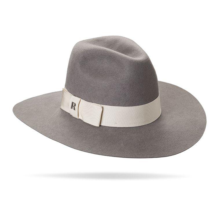 """""""Queen"""" hat in Light Grey"""