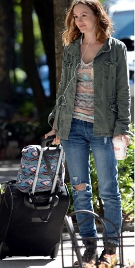 """Leighton Meester was wearing DL1961's Riley Boyfriend Jean while filming her new movie """"Like Sunday, Like Rain"""" in New York City. The former Blair Waldorf rocked a more casual look on the downtown set with her distressed boyfriend jeans..."""