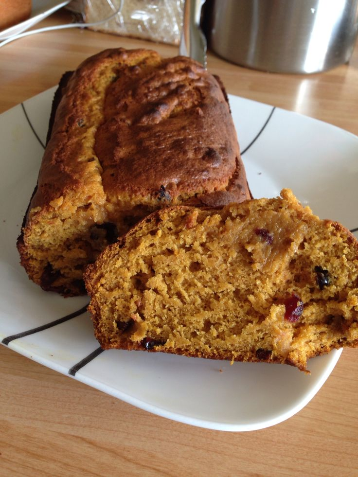Pumpkin cranberry bread I made for breakfast it's a recipe from my fitness pal cookbook only 200 calories a serving! Yummy