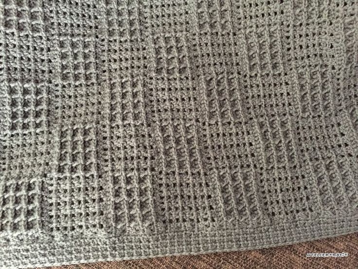 【編み図】引き上げ編みで編む格子模様のひざ掛け – かぎ針編みの無料編み図 Atelier *mati*